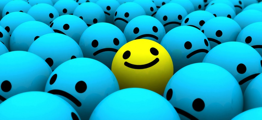 Smiley-Face-on-Blue-Wallpaper-Images